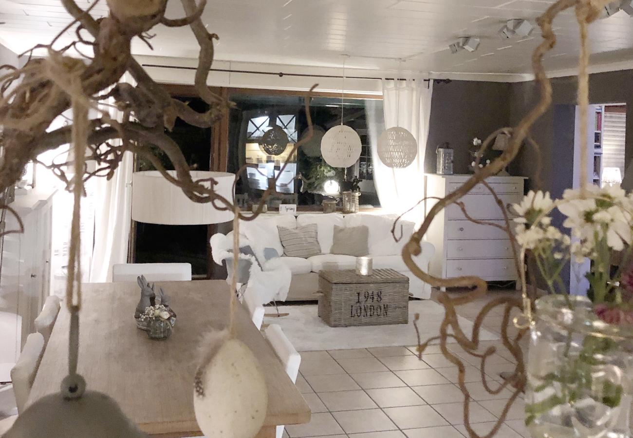 Wohnzimmer mit Sofa - Landhaus  Leben, wie auf Sylt!