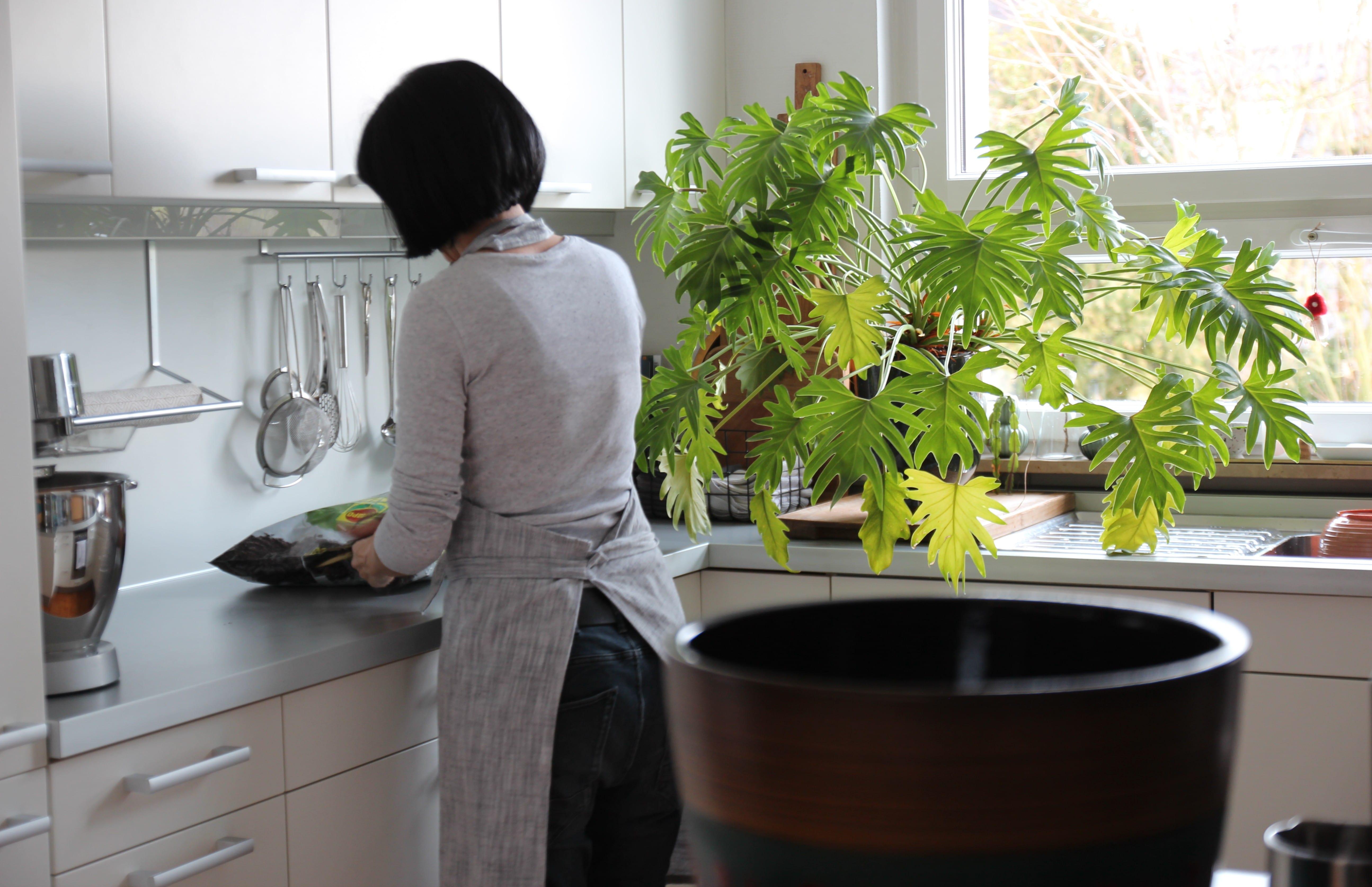 große offene Küche - Zuhause bei Stefanie - Dekoideen und zeitlose Accessoires zeigt sie bei desmondo.de