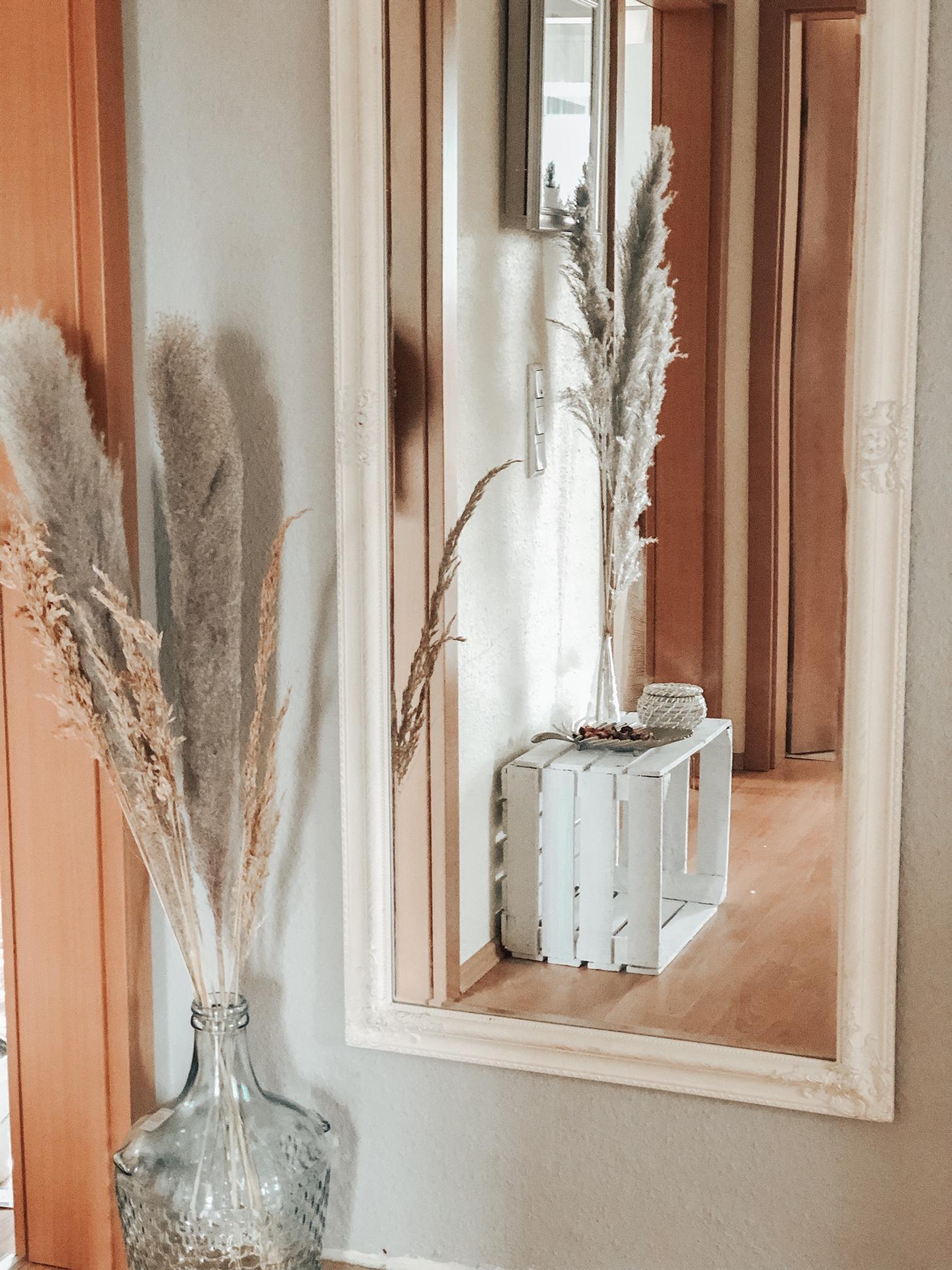 Pampasgras zur Deko - Sabrina liebt es, einzurichten und zu dekorieren. Mit Naturmaterialien gestaltet sie immer wieder neue Schätze für ihr Haus.