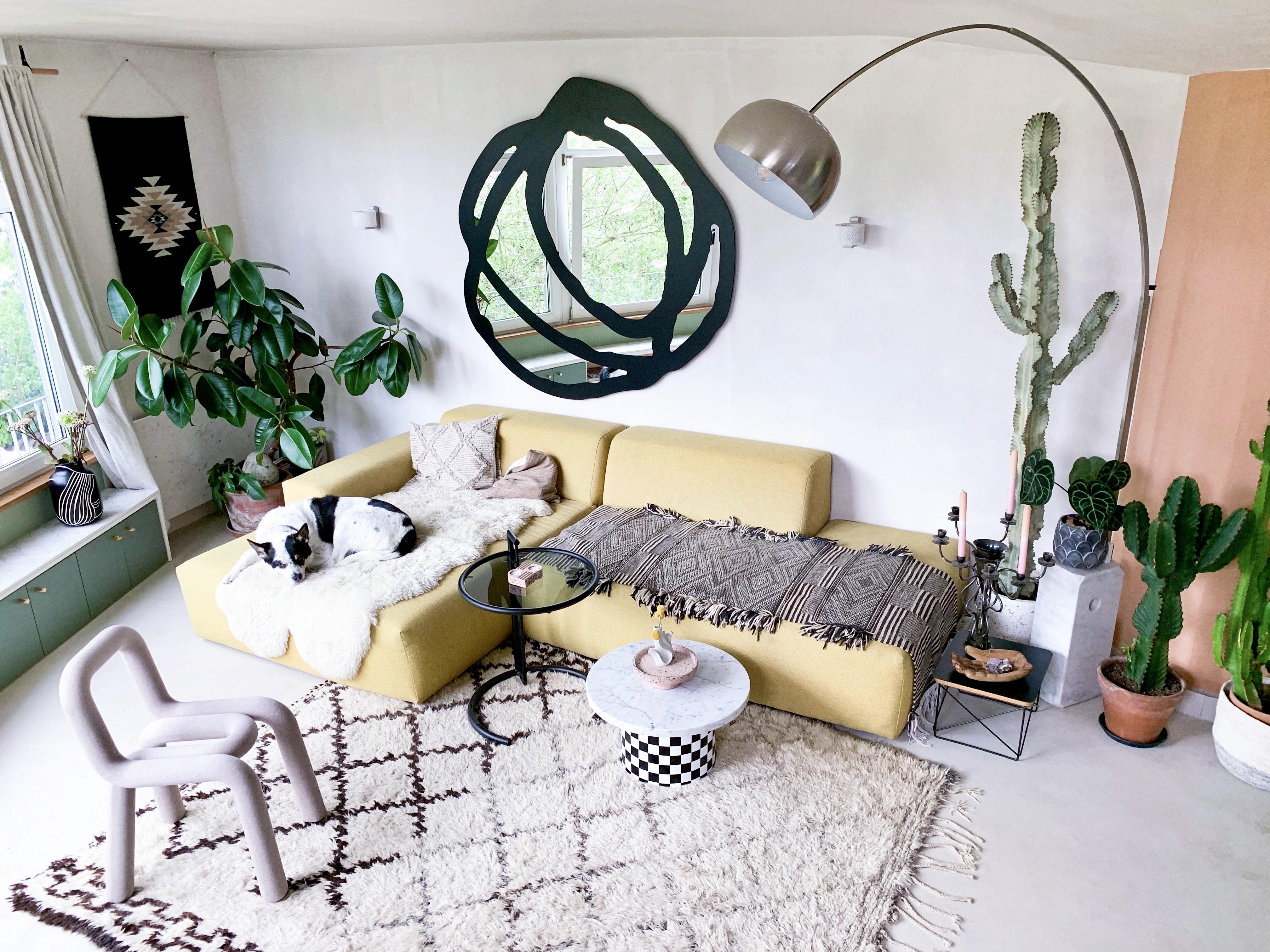 Ein architektonisch außergewöhnliches Zuhause, zeigt uns Mia in ihrer Homestory. Viele weitere Inspirationen und Wohnideen findest du auch bei desmondo