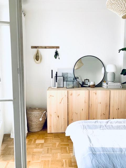 Schlafzimmer mit Dekoelementen