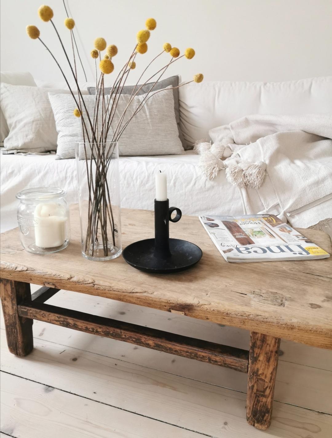 Wohnzimmertisch aus Holz - Überrachte Terrasse - Homestory: Bei Nathalie sieht es aus wie im Urlaub