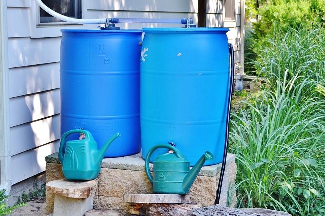 Bewässerungssystem im Garten - die Regentonne