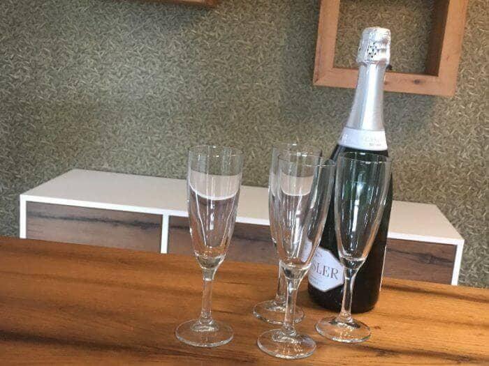 Artikel - Hausbar - Sekt und Gläser