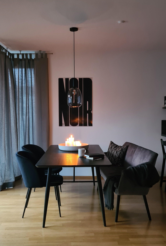 Johannas Wohnung soll nicht nur gemütlich sein. Hier sollen Besucher auch Dinge entdecken.