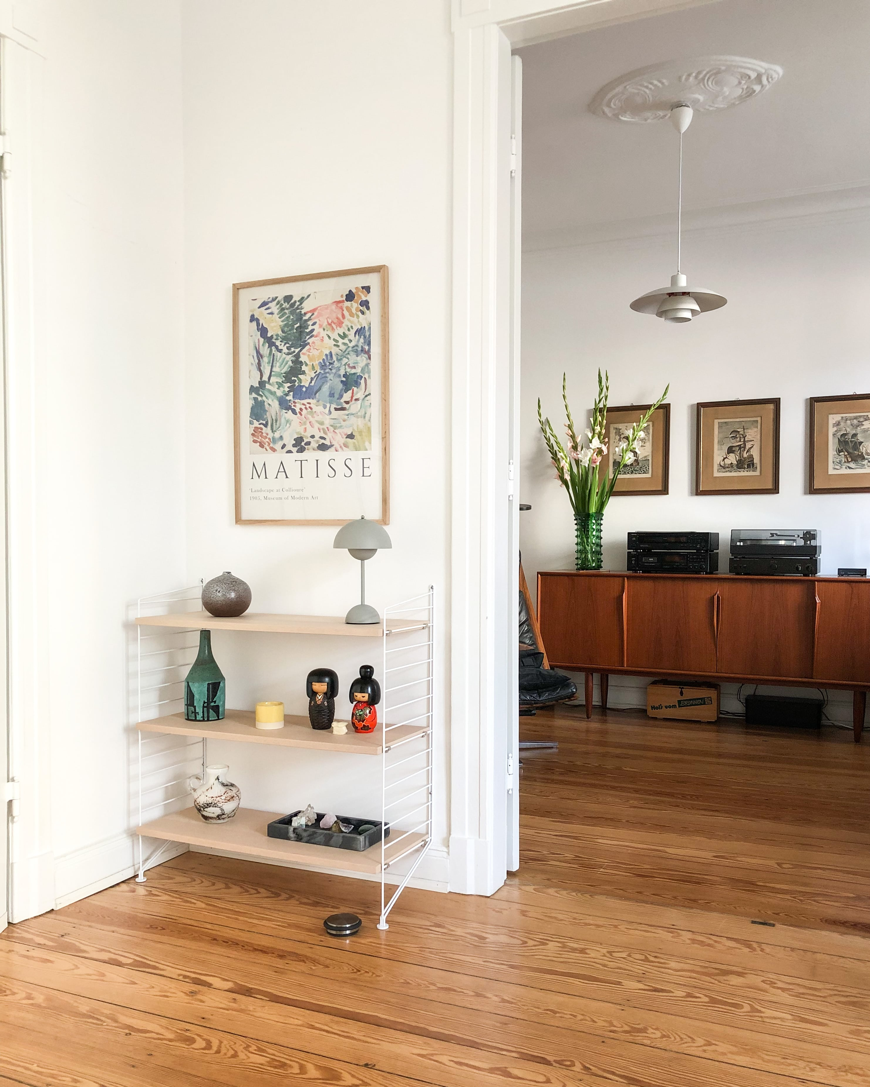 Homestory - Bei Lesern Zuhause - Homestory: Laura lebt minimalistisch im Altbau- so geht's einfach Desmondo dein online Magazin und Shop