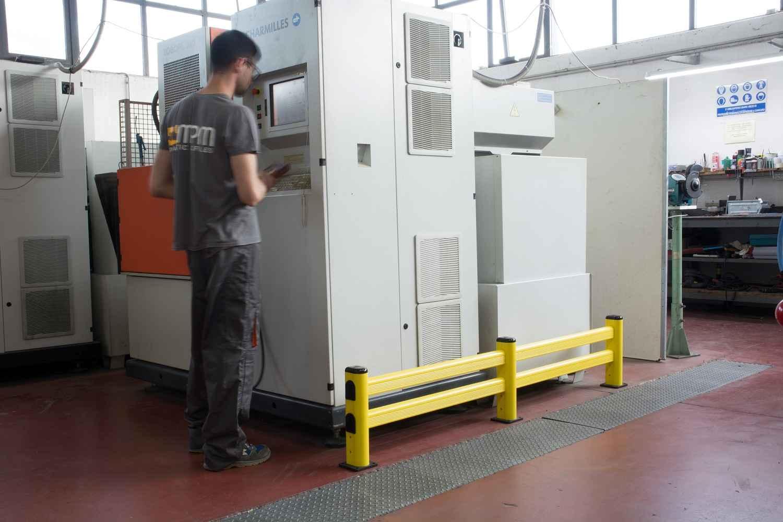 Modułowa elastyczna bariera S do ochrony regałów 400 x 1100 mm - standardowy wymiar