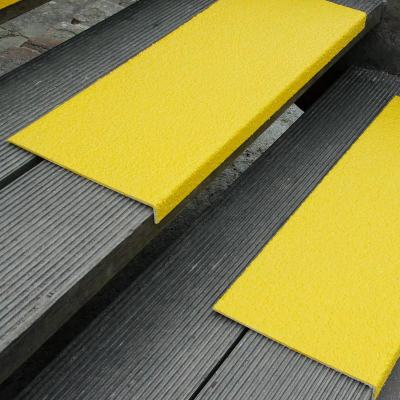 Nakładka antypoślizgowa na stopień, duże natężenie, żółta 230 x 30 x 1000 mm