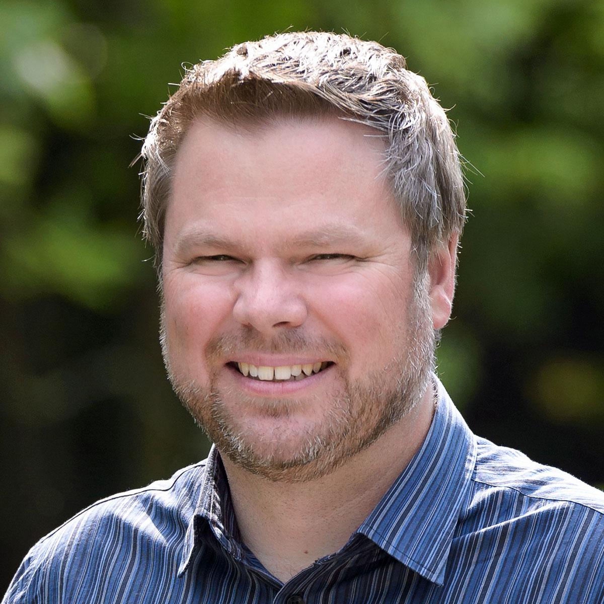 Headshot of Jed Looker