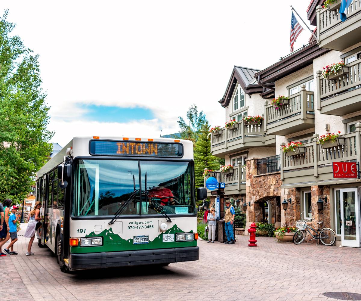 Alpine Media - Digital Transit Signage
