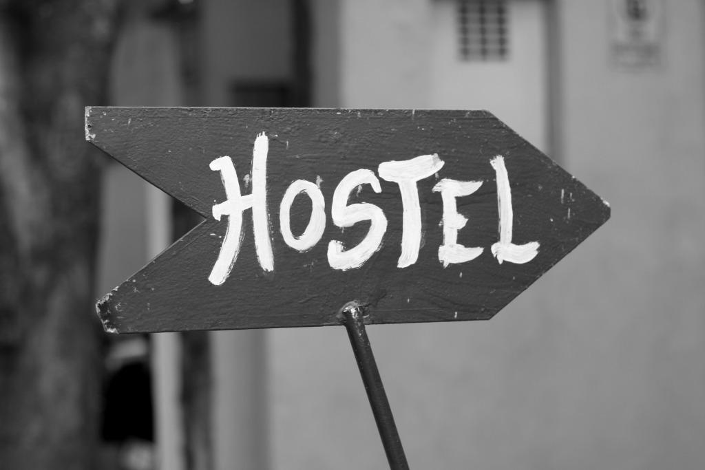 hostel-185156_1920.jpg