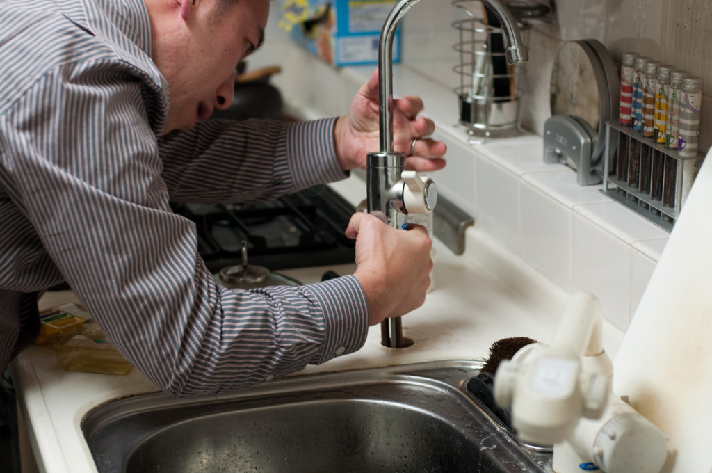 plumber-228010.jpg