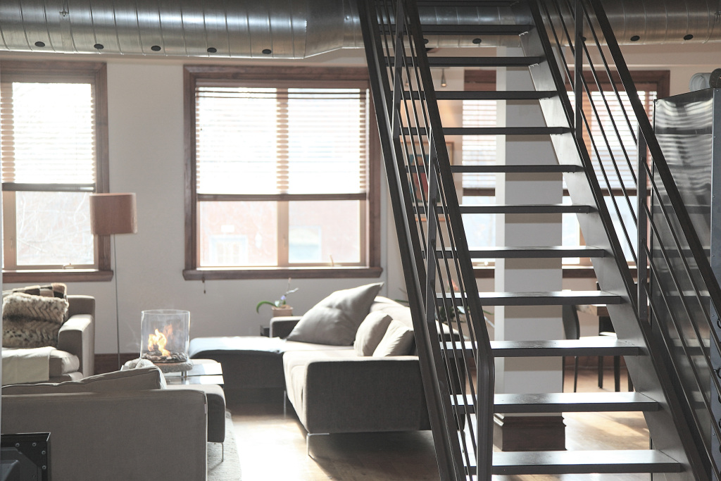 apartment-406901.jpg