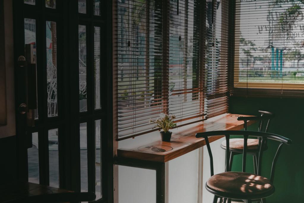 window-1208277_00.jpg