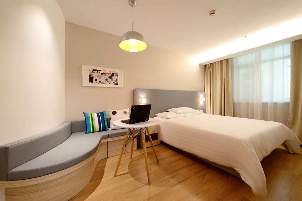 hotel-1330834_1920 (1)
