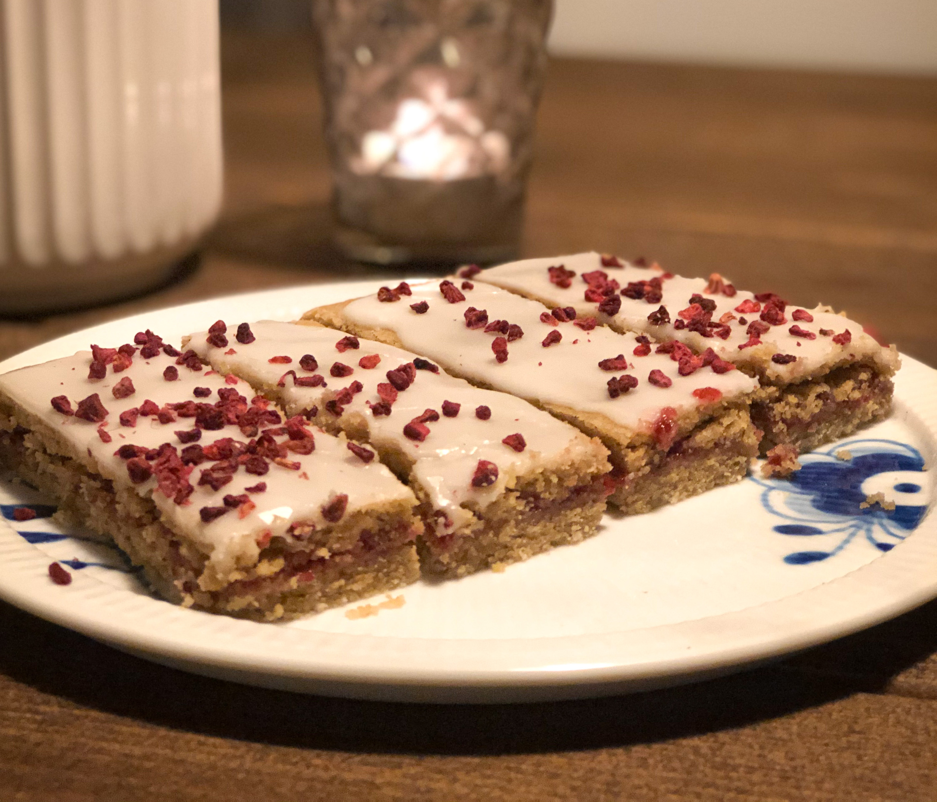 Raspberry Cuts with 04 Whiskye Super Grain Flour