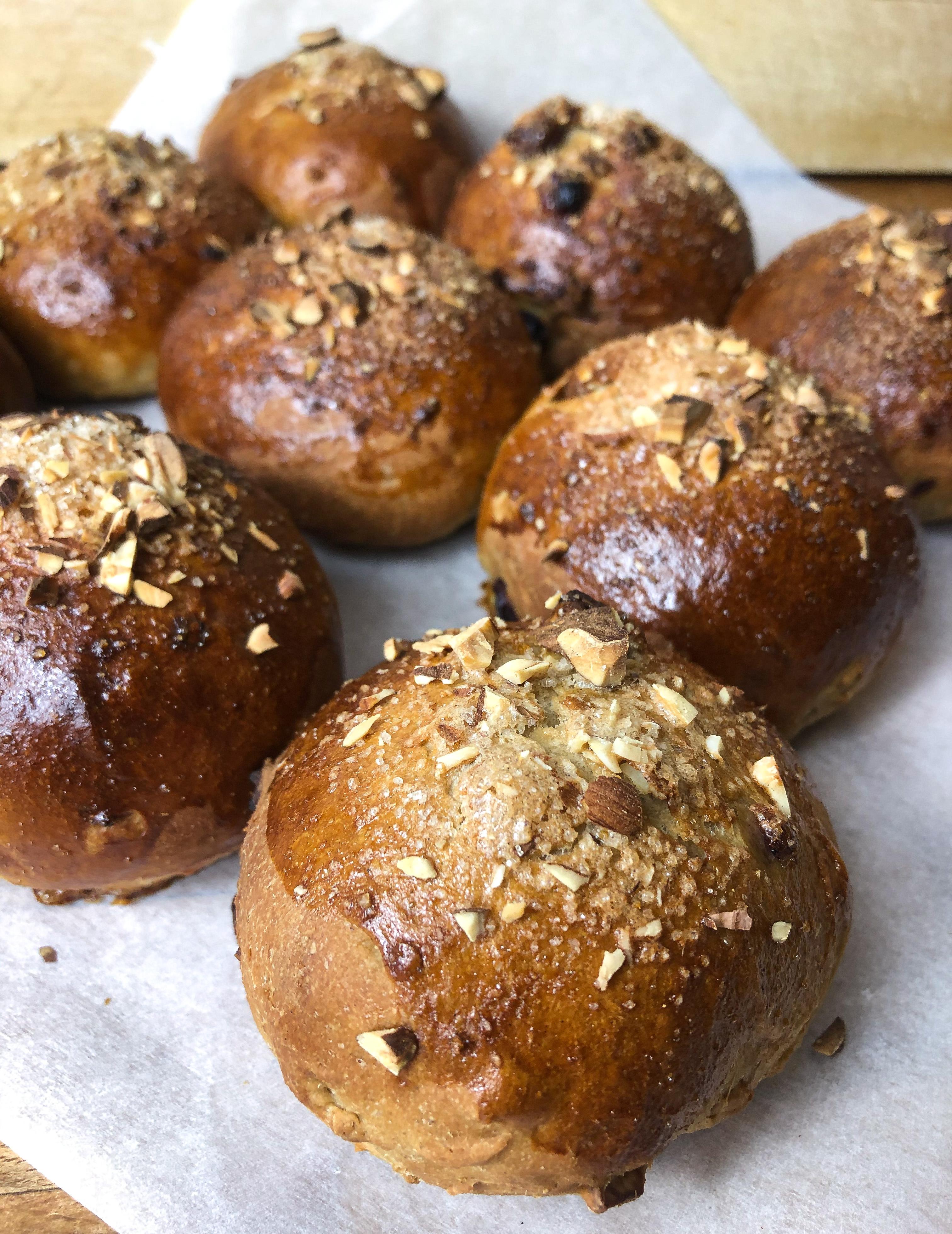 Spicy Christmas buns with Agrain® 04 Whisky Mask flour