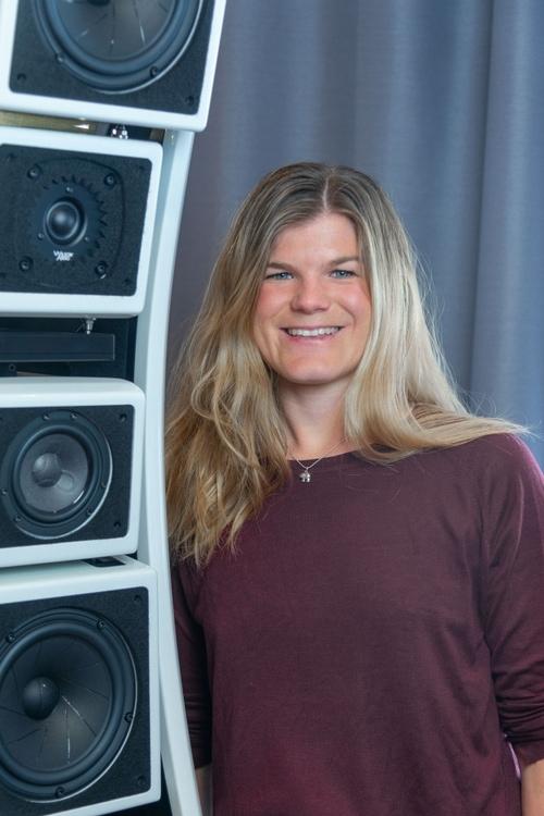 Fabienne Hofer von Alesca - Lautsprecher und Verstärker