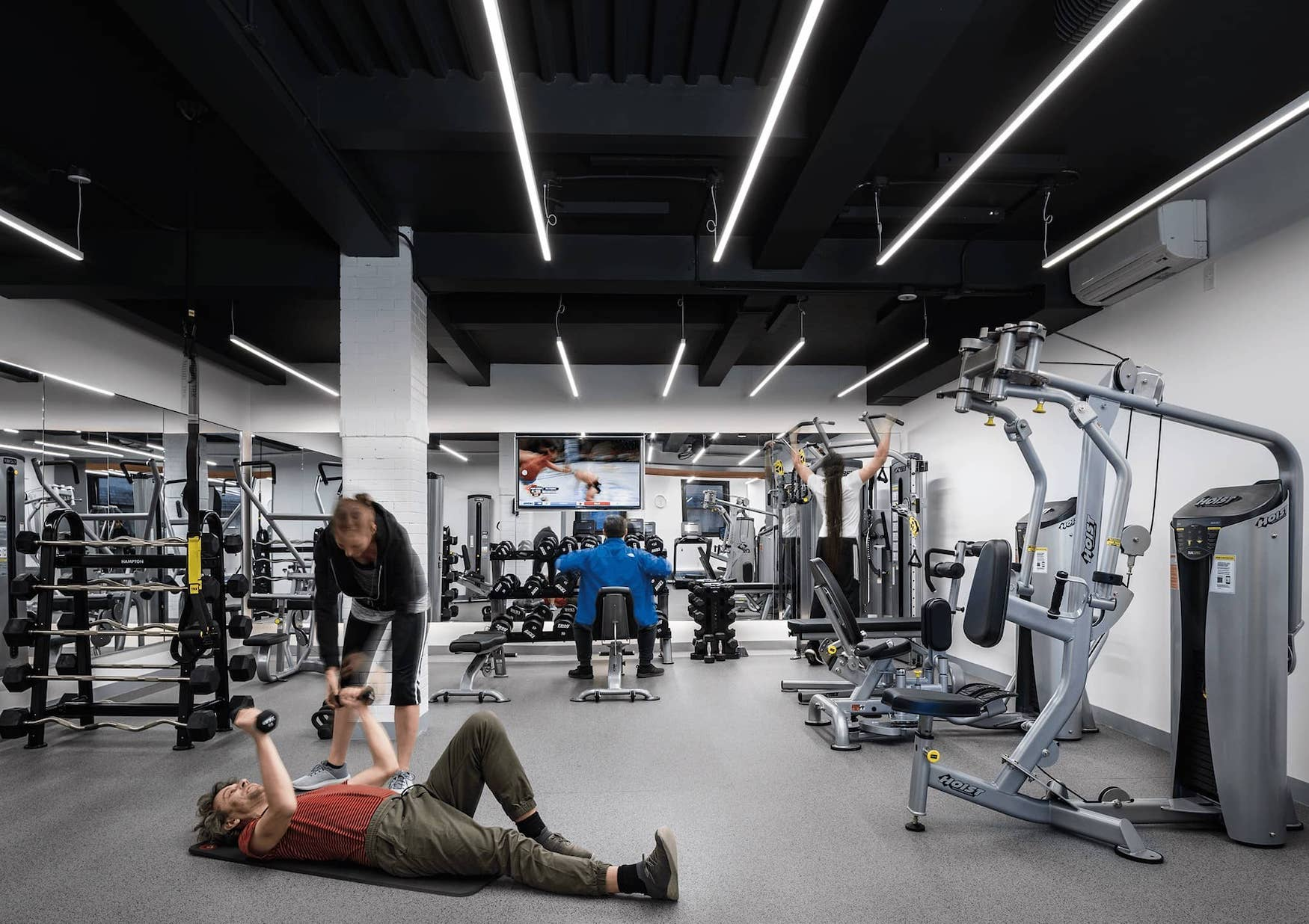 Gym amenity at 1095 Park Avenue