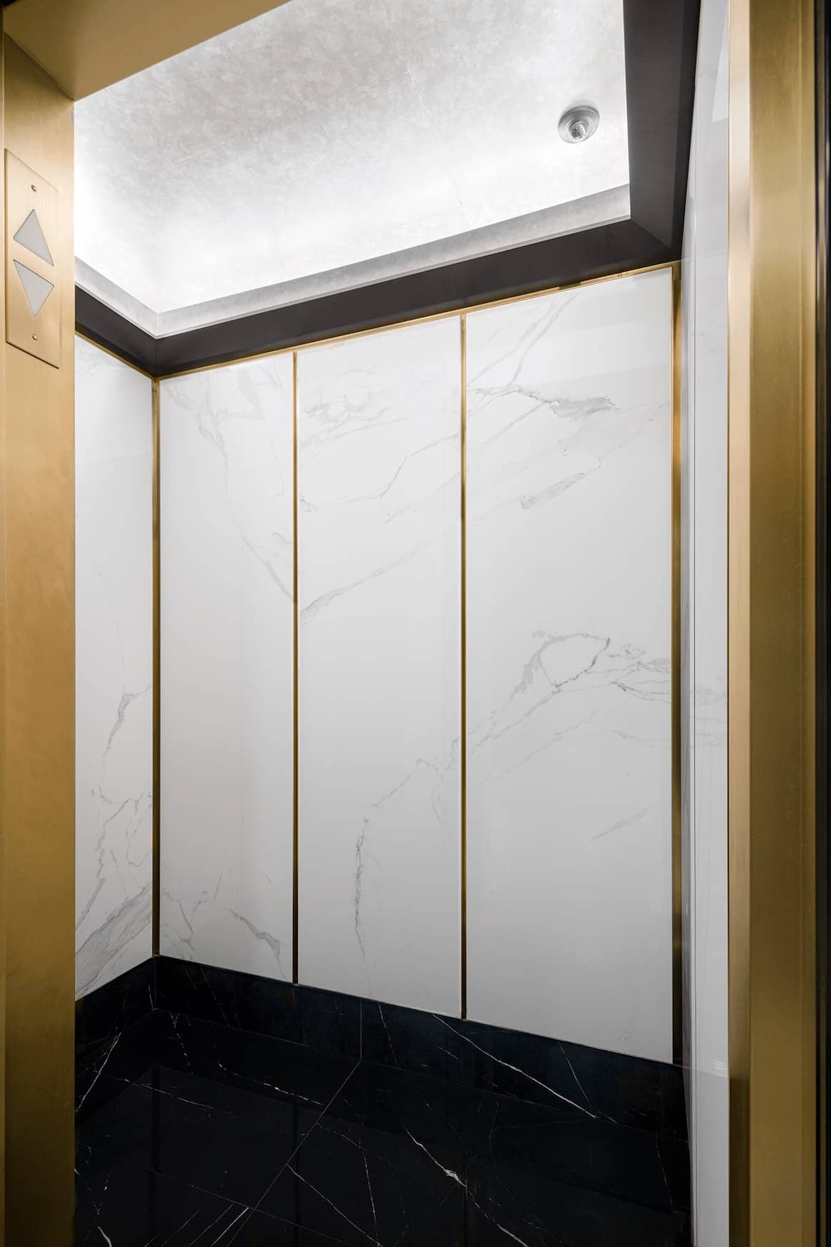Elevator at 1050 5th Avenue