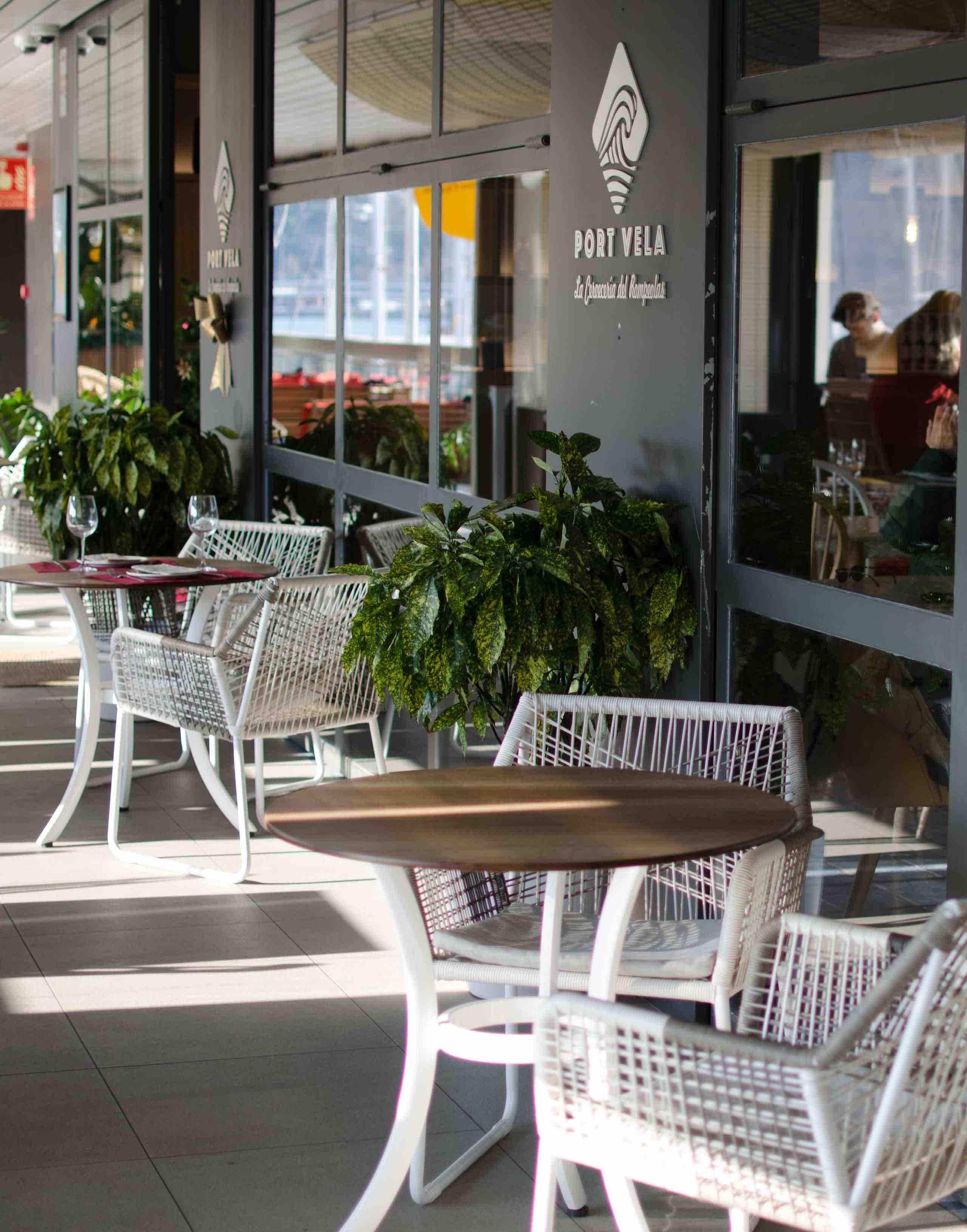 Terraza del Restaurante Port Vela