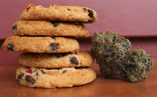 cookie edibles and cannabis nug
