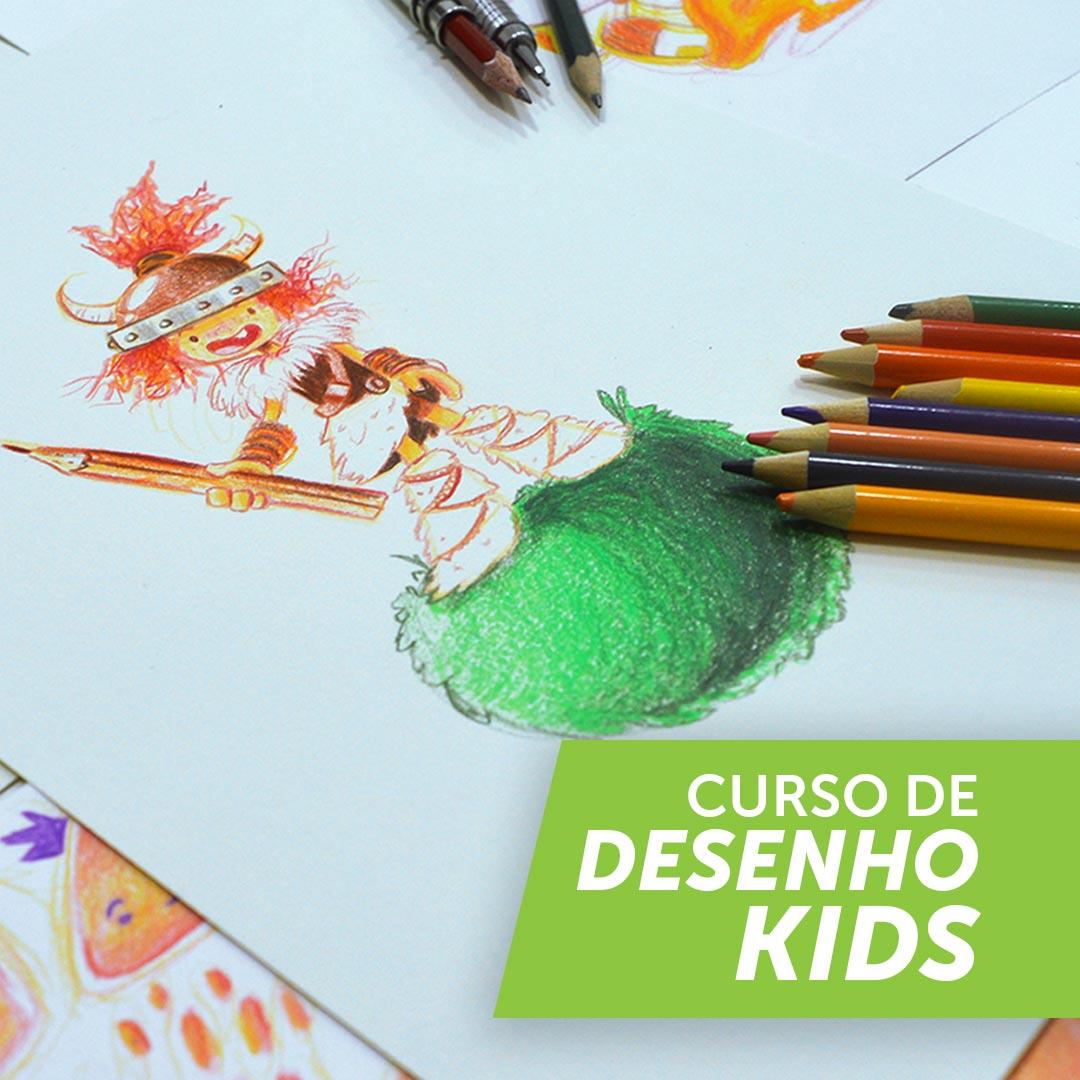 Foto de um desenho de uma criança viking em cima de uma bola de pelos feito em lapis de cor. Existe uma caixa com texto escrito dentro: CURSO DE DESENHO KIDS