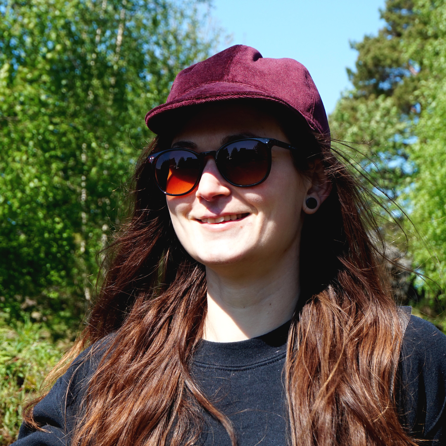 A cool velvet classic baseball cap to add some sporty glamour to any outfit.