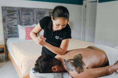 Giselle has been a teacher in integral cosmetology, her career is completely focused on people's wellbeing and she specializes in massages to relieve stress. Giselle has been a spa supervisor and has worked in the best luxury hotels in the Riviera Maya.