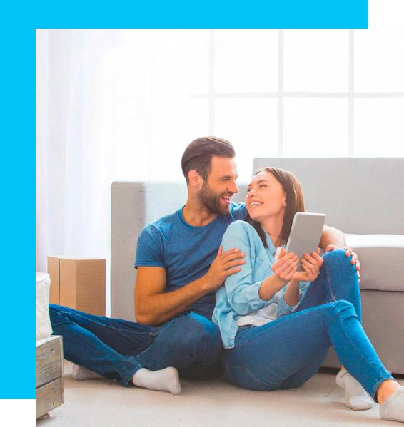 Couple heureux et serein grâce à l'assurance sur son crédit