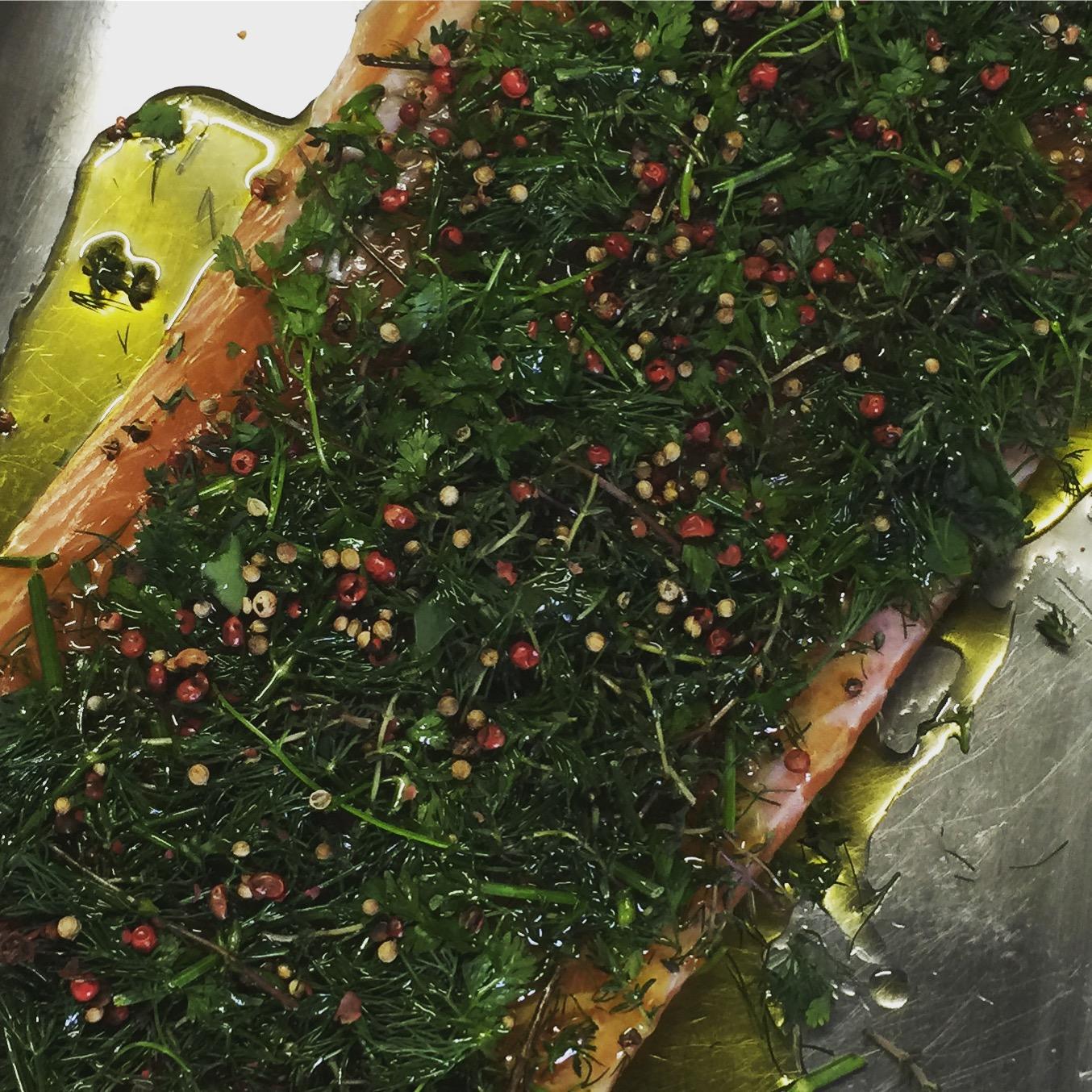 Zubereitung und Rezept für Lachs-Gravlax