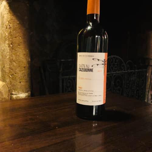 """Pour le plus grand plaisir des clients du Coupe-Chou, la cuvée """"Entre amis"""" du Chateau Cazebonne."""
