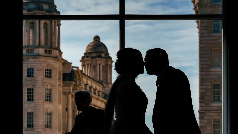 The bentley liverpool bride and groom portrait I do