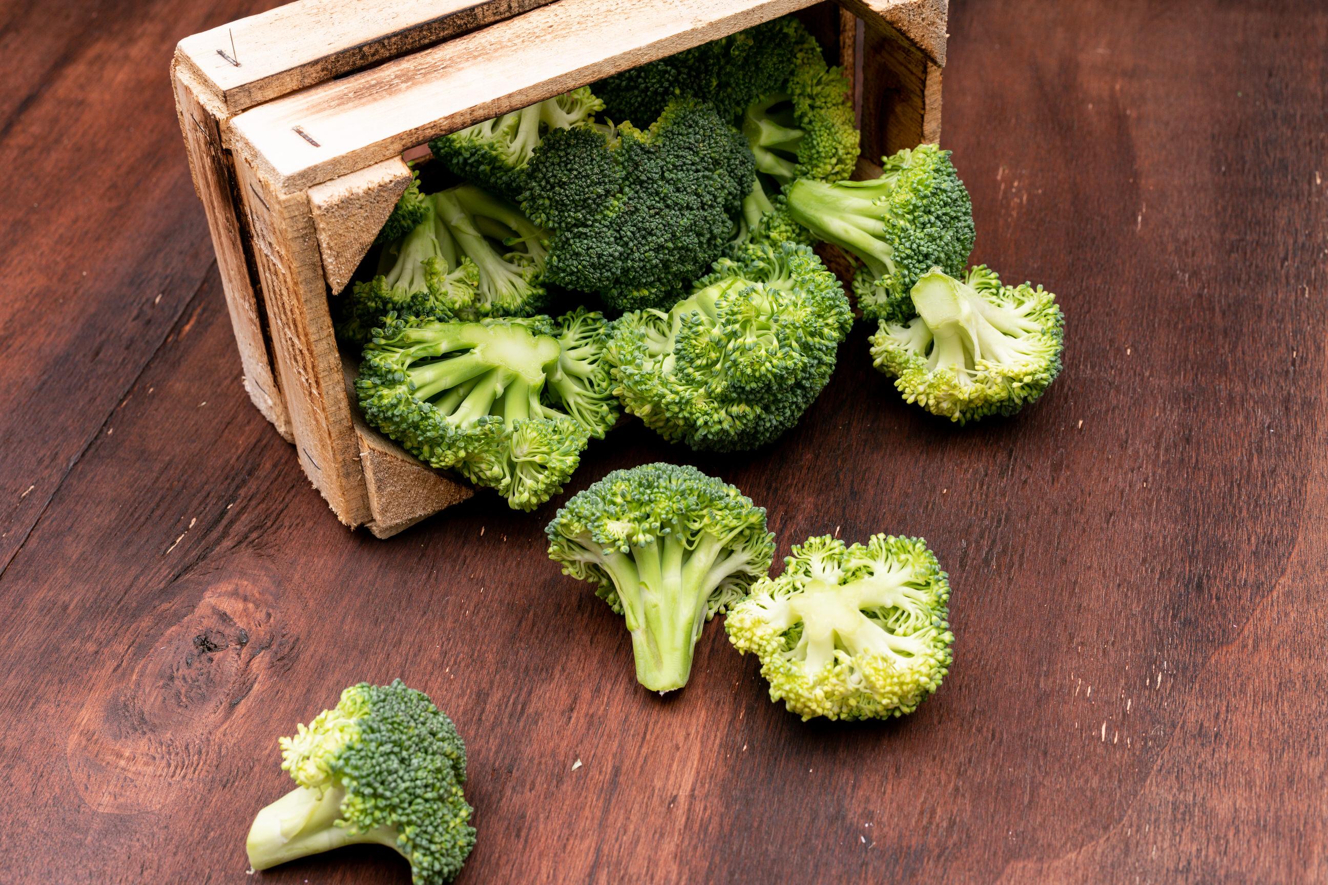 Embalaje de brócoli en CEDIS