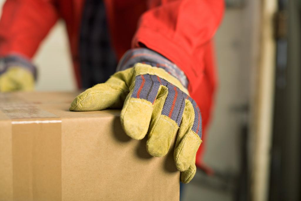 Operadora de almacén logístico
