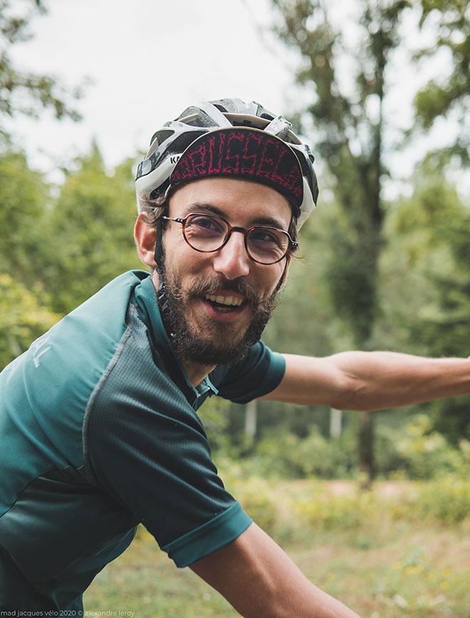 morvan - vélo - cycliste qui se marre