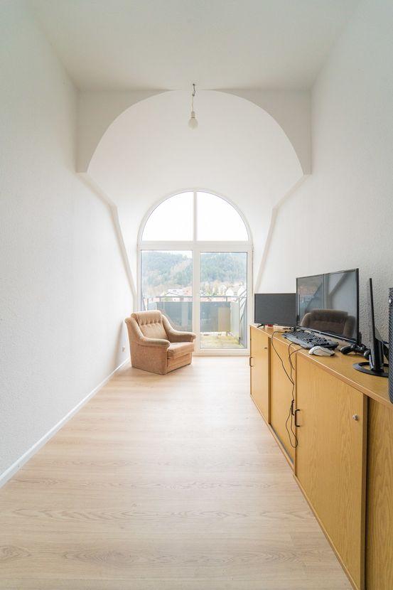 Bürobereich m. Balkon Emporengeschoss