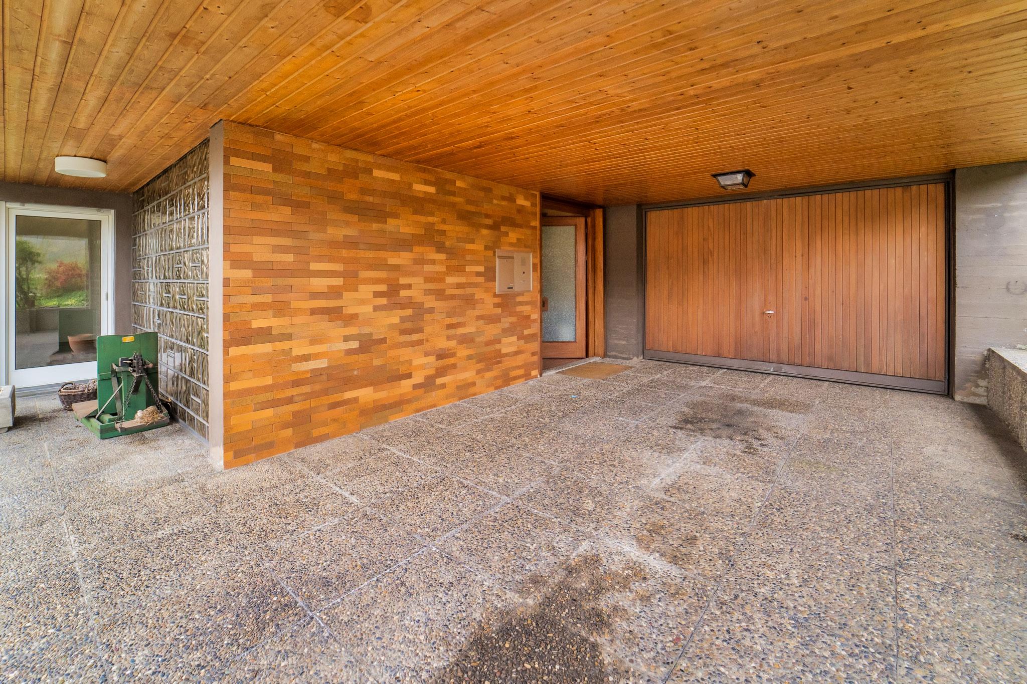 Carport/Garage/Hauseingang