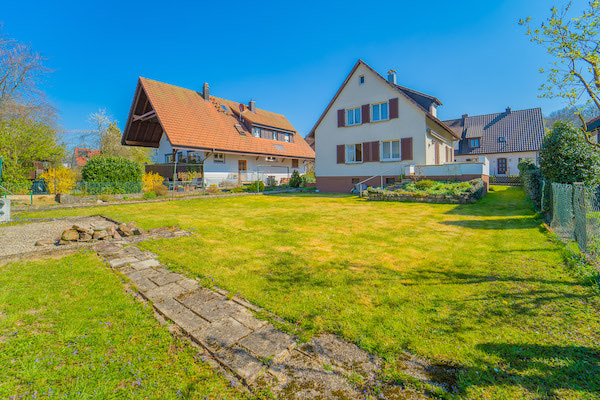 Charmantes Einfamilienhaus mit Garten am Schlierbach in Schopfheim