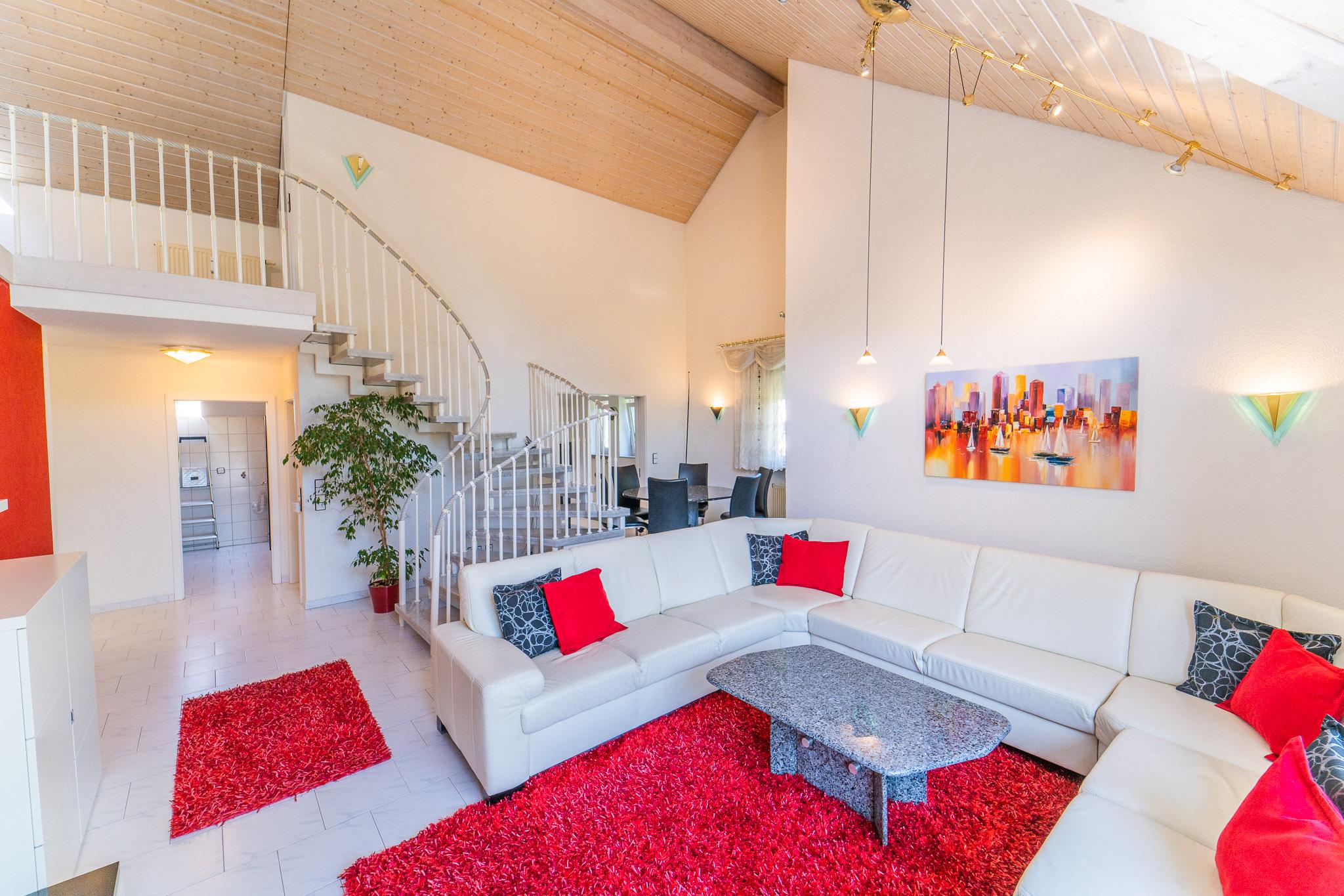 Elegante 6,5 Zi. Maisonette-Wohnung mit Doppelgarage und Stellplatz am Eisweiher in Schopfheim