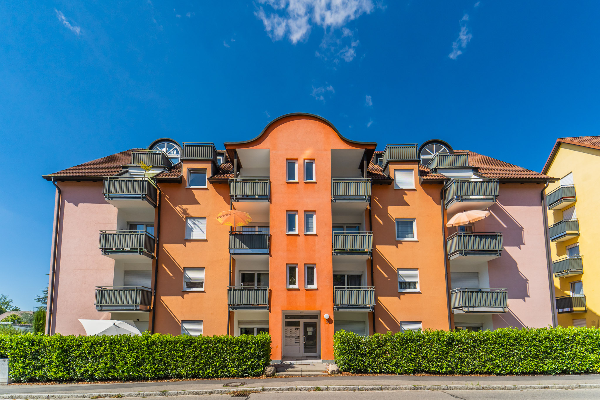 Zentrales helles Single-Appartment mit Balkon und Tiefgarage im Herzen von Kandern