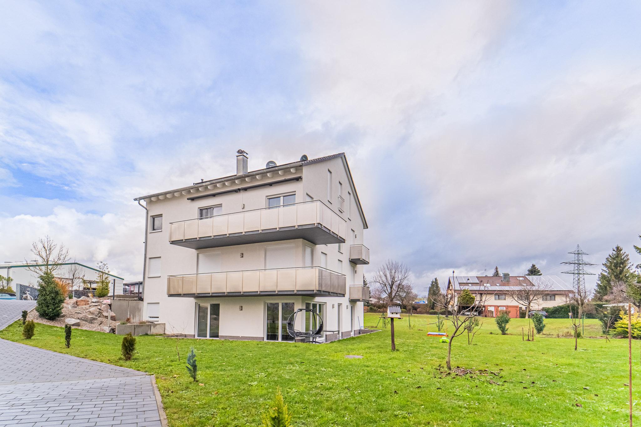 Gewerbe Miete: Repräsentative 2,5 Zi. lichtdurchflutete Terrassenwohnung (Büro) Erstbezug Rheinfelden