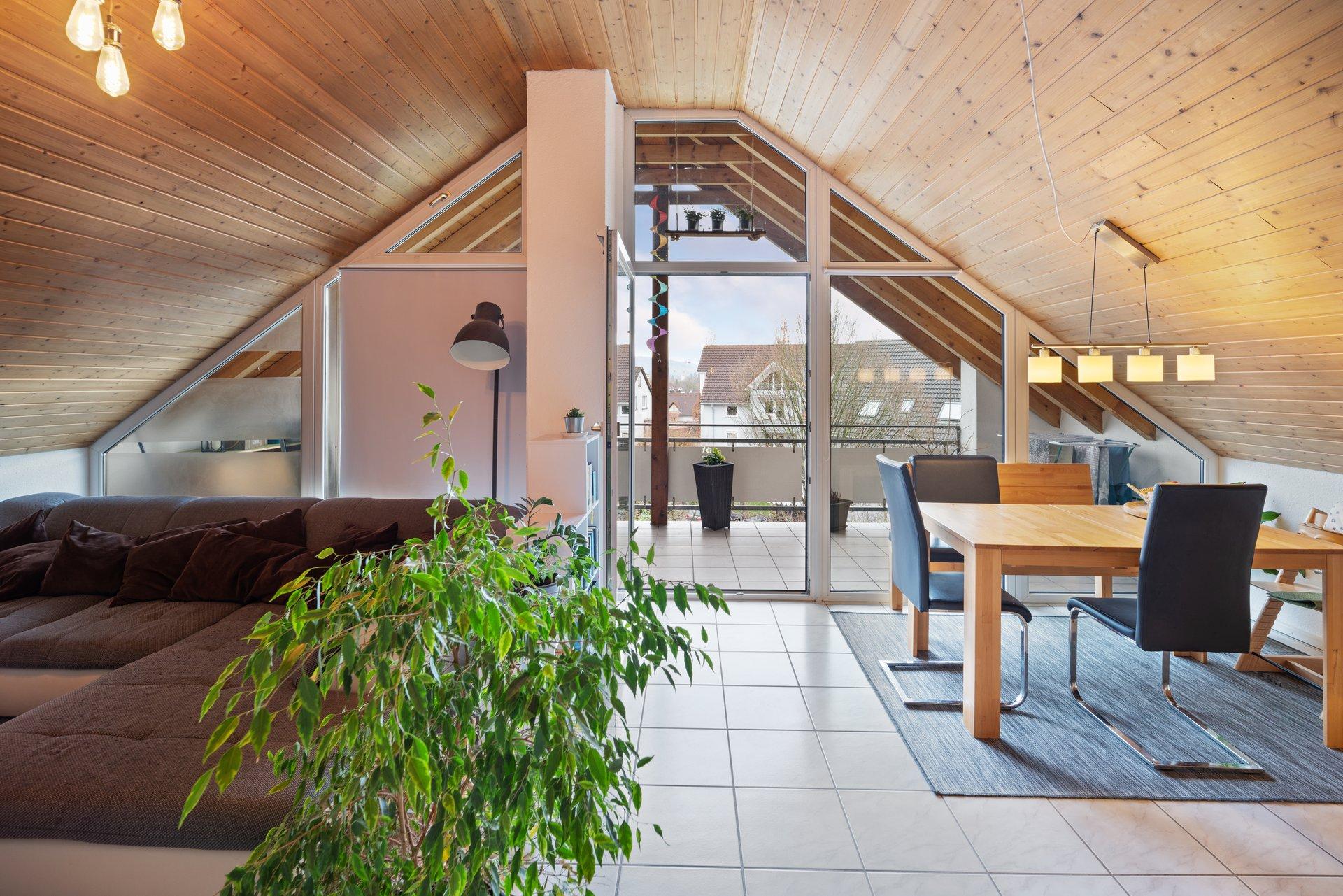 Begehrte Lage: Extravagant geschnittene helle 3,5 Zi. Wohnung mit Stellplatz im Dorfkern Rheinfelden-Nollingen