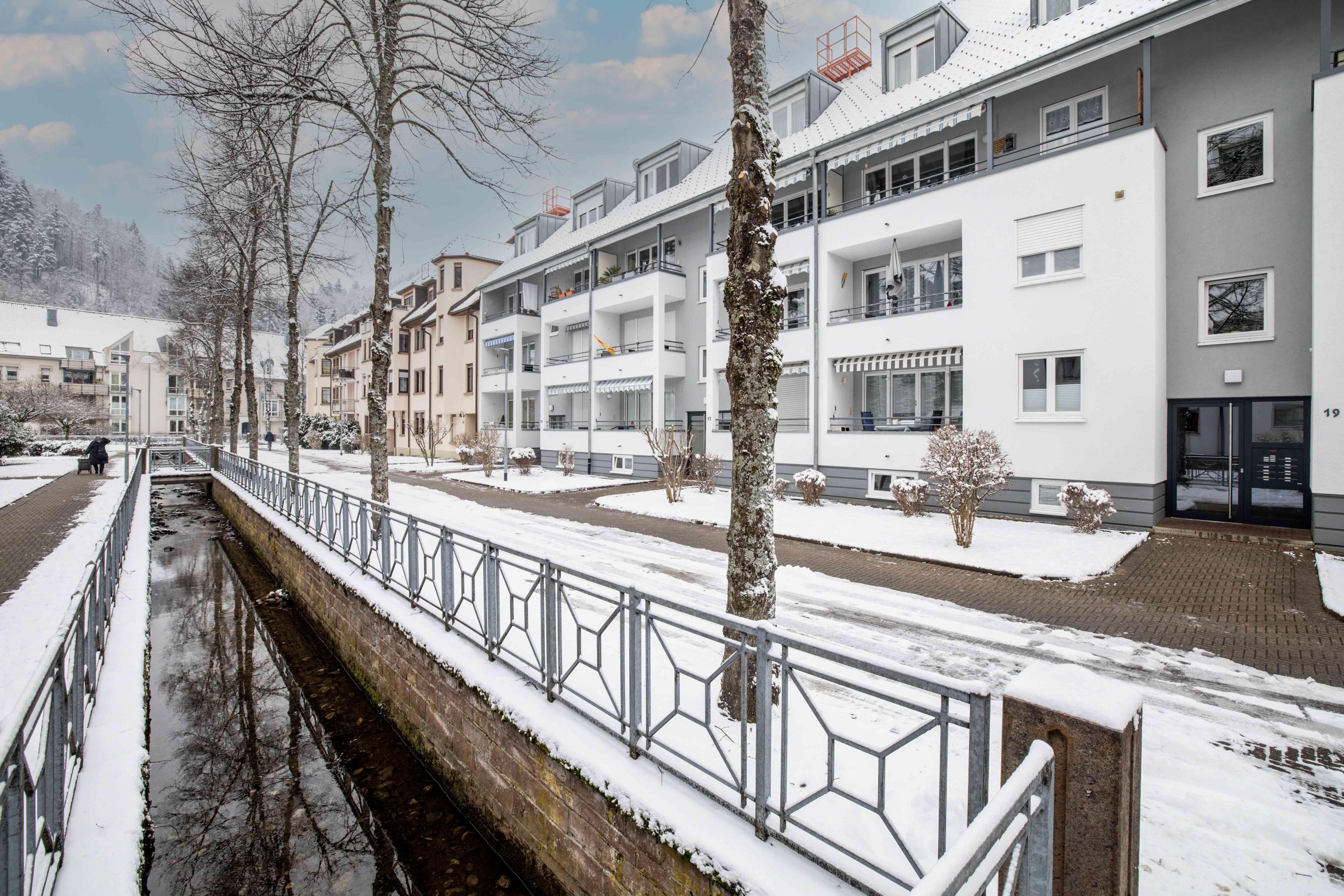 Gepflegte 3 Zimmer Eigentumswohnung im Erdgeschoss mit Tiefgarage und Einbauküche in ruhiger zentraler Lage im Herzen von Schopfheim