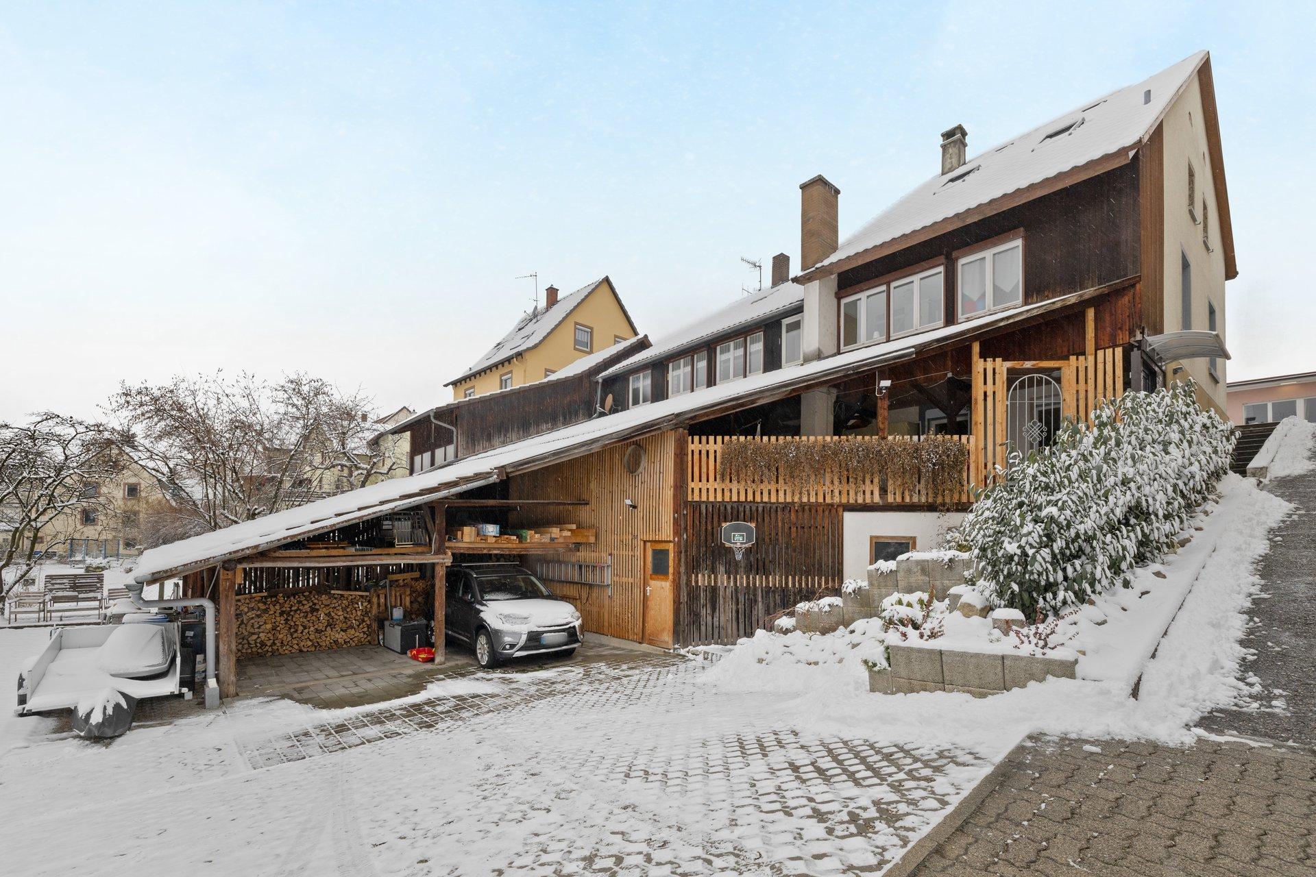 Familientraum! Historische sanierte Doppelhaushälfte mit großem Garten und Carport unterhalb der Burg Rötteln Lörrach-Haagen