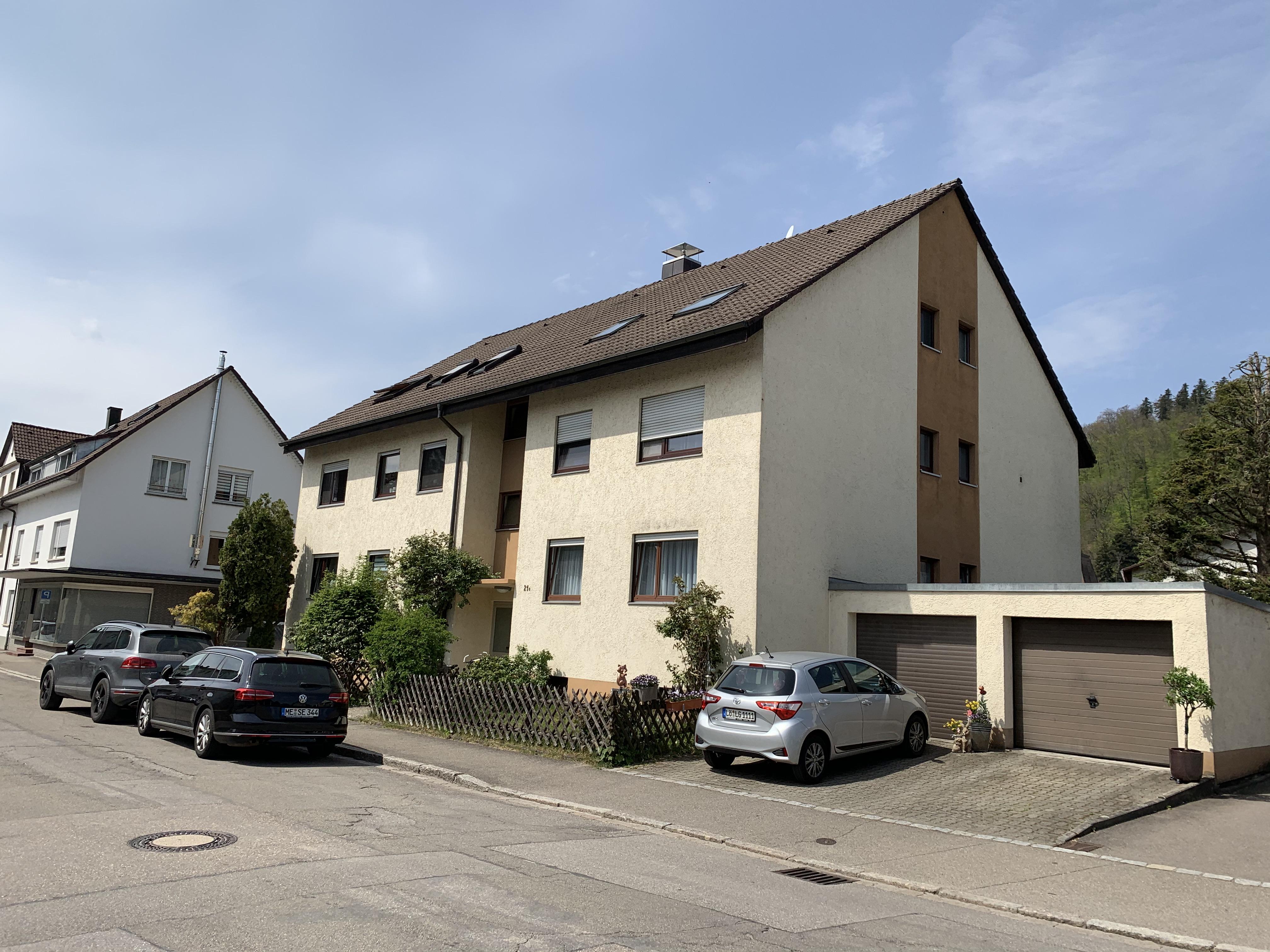 Lage! Lage! Lage! Renovierungsbedürftige 2-Zi. Souterrain-ETW ruhig und zentral in Schopfheim