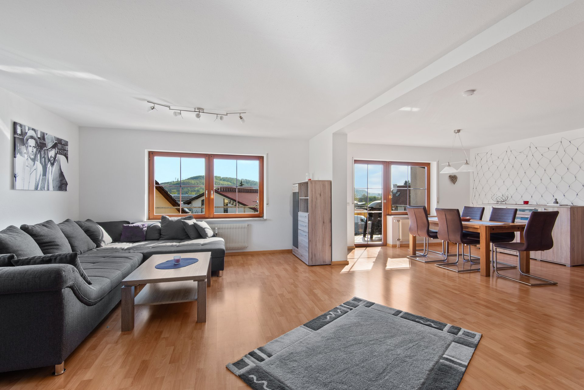 Zu vermieten: Gepflegte 4,5Zi. Maisonette-WG mit zwei Balkonen, EBK und Stellplätzen in Schopfheim