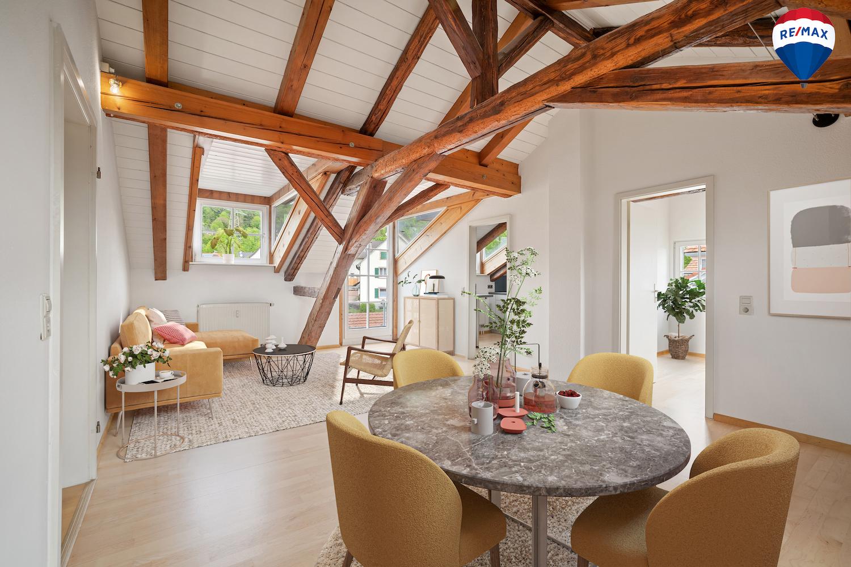 Burgfräulein gesucht! Historische hochwertig sanierte 3,5 Zi. Dachgeschoss-ETW mit Balkon und Stellplatz nahe Burg Rötteln in Lörrach-Haagen