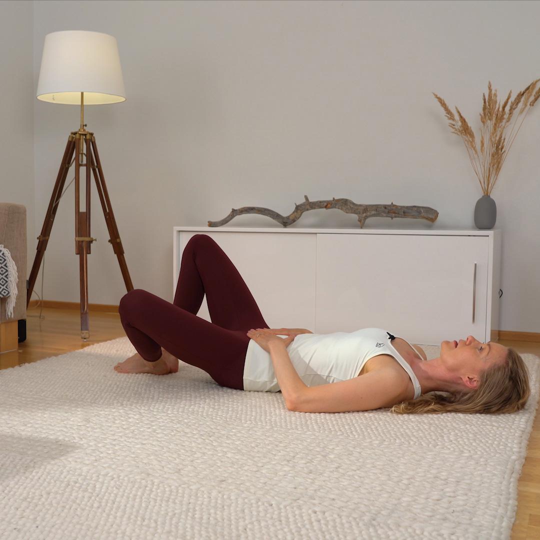 Pilates liike: Polven avaus sivulle