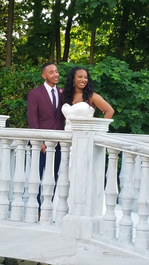 Wedding picture of Lauren and Kevin Deal